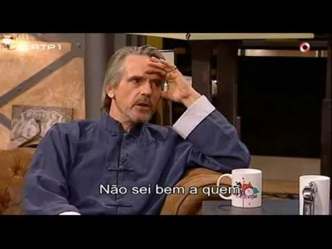 Jeremy Irons talks about Eurocrisis - Do anyone understand to who we owe so much money? (legendado)