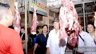 kang Hasan makan Hucap bersama warga