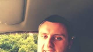 Поёт в Авто 3 ( припевчик )