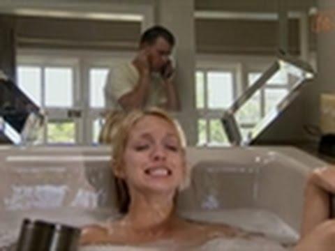 I Didn\'t Know I Was Pregnant - Breech Baby in Bath Tub - YouTube