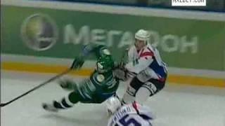 Шайба по голове. Салават Юлаев играл против Торпедо