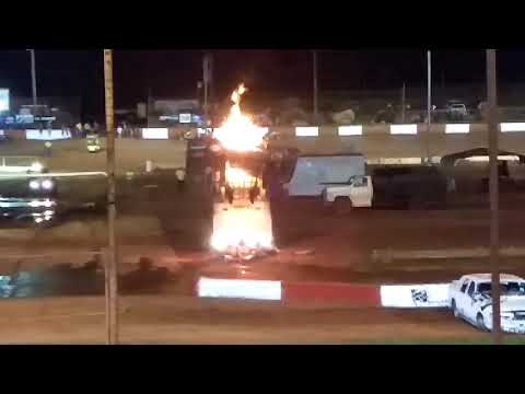 Megasaurus at Dixie Speedway... wait for the end! LOL