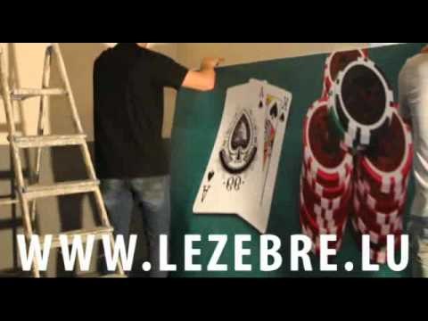 Tuto comment coller un sticker g ant deco murale youtube for Decoration murale a coller