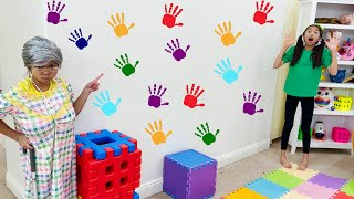 Emma and Wendy Pretend Play Hand Painting with Colorful Paint | Finger Paint Art for Kids