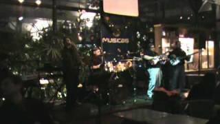 OS FUNKS - Valerie ao vivo no Musicais