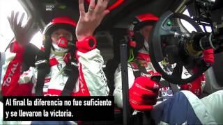 Increíble: el piloto de rally que se despistó en un estacionamiento pero igual ganó la carrera.