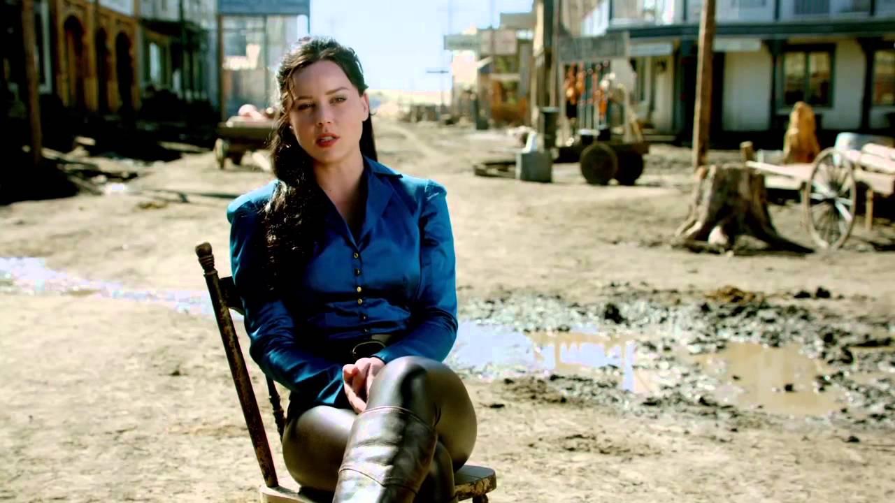 "Klondike: Abbie Cornish ""Belinda Mulrooney"" On Set ... Abbie Cornish Facebook"