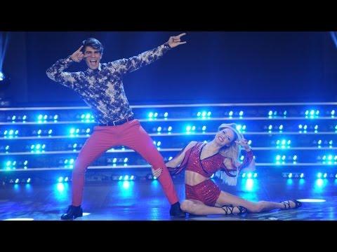 En la pista tampoco desentona: Fernando, de Rombai, sorprendió a todos, dice la descripción del video del baile en el canal de Youtube de El Trece.