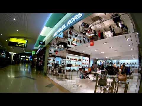 USA , Airport JFK New York Shopping Mall