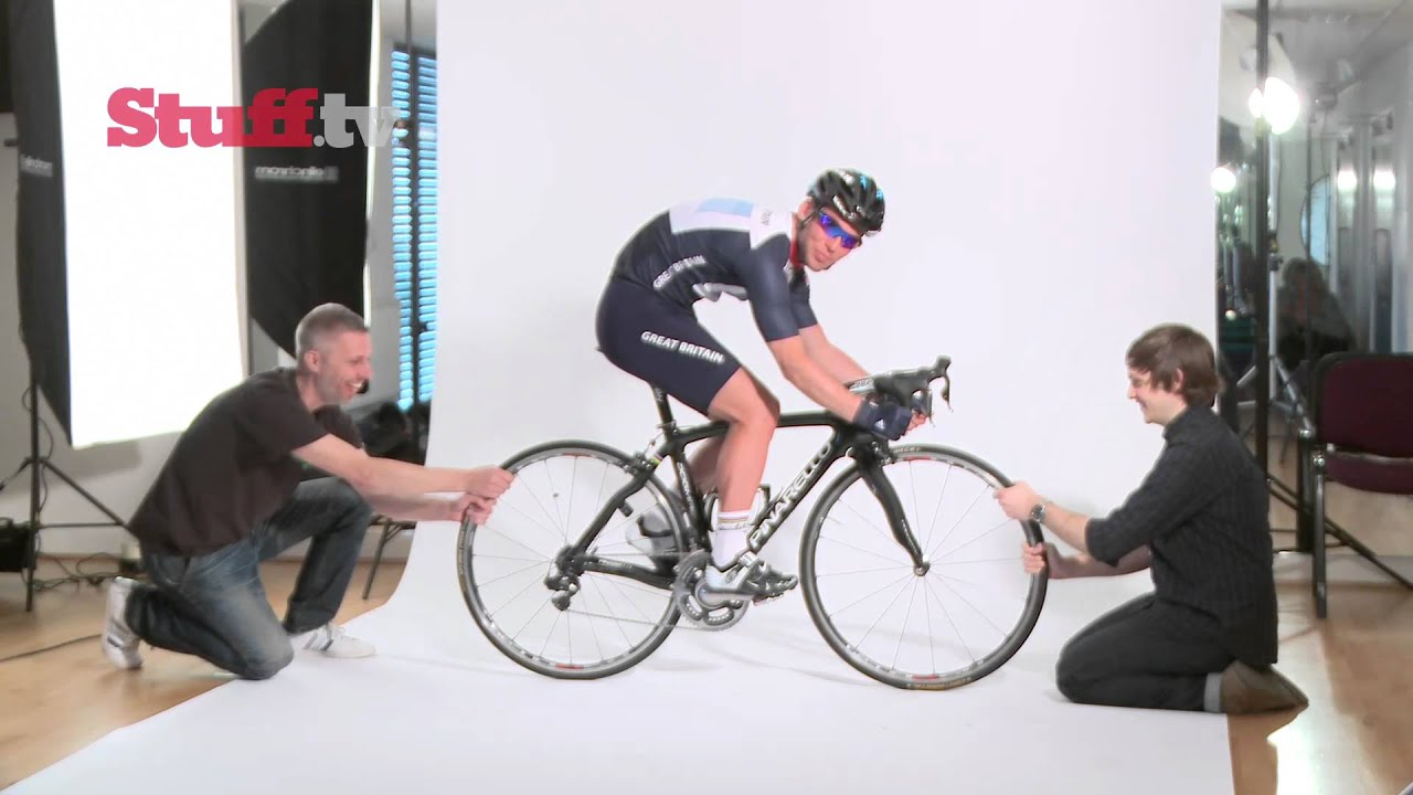 f970b780840 Mark Cavendish behind the scenes Stuff cover shoot and interview ...