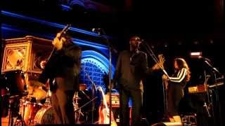 The Magic Numbers with David McAlmont & Ed Harcourt - Love Is Just A Game / People Get Ready