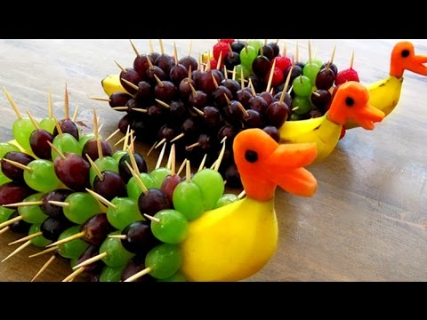 Art in banana decoration banana art fruit carving banana garnishes youtube for Comdecoupe fruit decoration