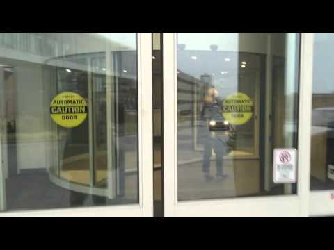 Froedtert Hospital Main Entrance Sliding Revolving Door