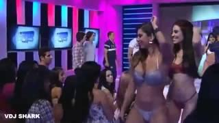 Sıcak dans yapan kızlar