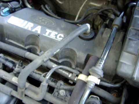Ford StreetKa tourne sur 3 cylindres