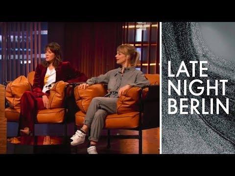 Jessica Schwarz & Heike Makatsch zu Gast | Late Night Berlin | ProSieben