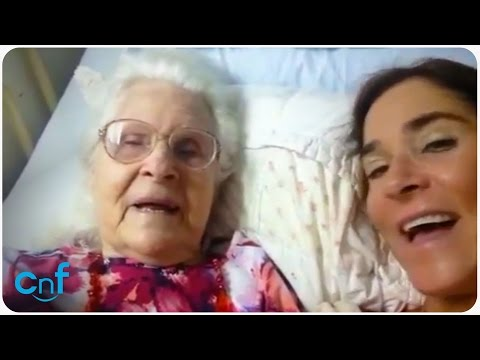 Mom with Alzheimer's Recognizes Daughter