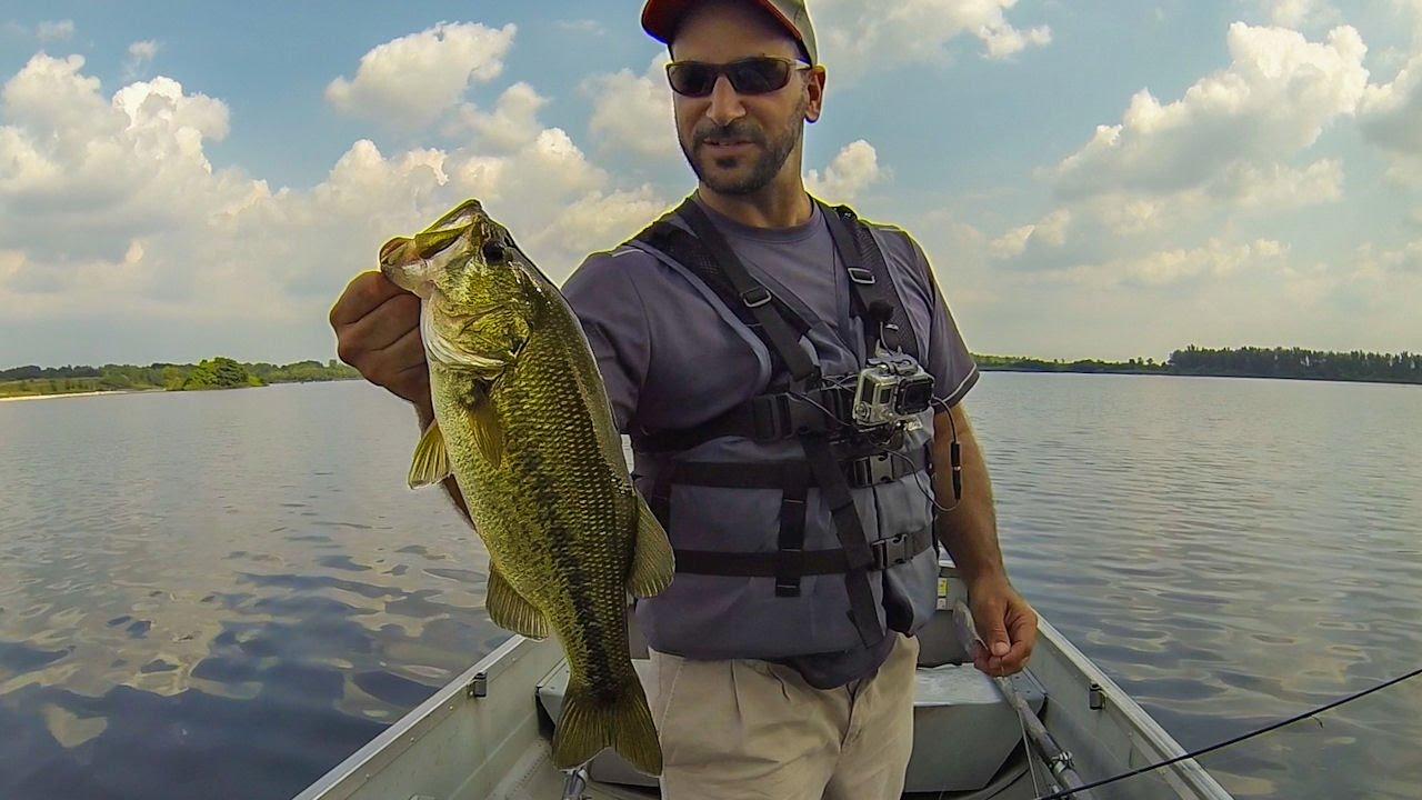 Summer bass fishing a new lake crystal lake il drop for Crystal lake fishing