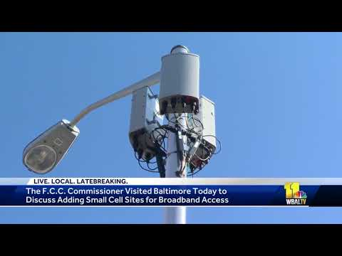 FCC commissioner visits Baltimore to discuss improved internet access