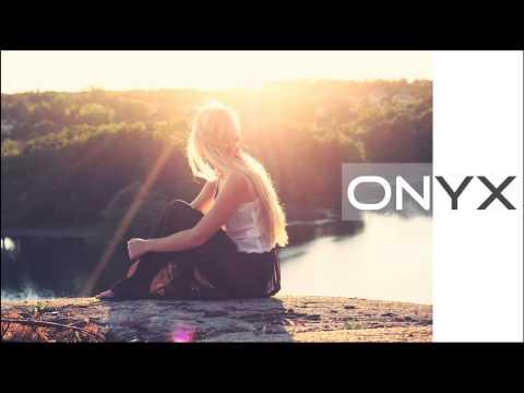 Ben Macklin - Never Giving Up (Feat. Charlotte Holmes)