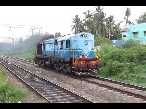 Amazing Race: WDM 7 Vs WAP-7 Lalbagh!!!