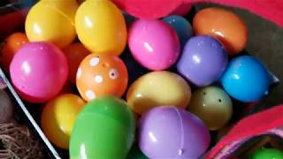 OPENING SURPRISE EASTER EGGS!!