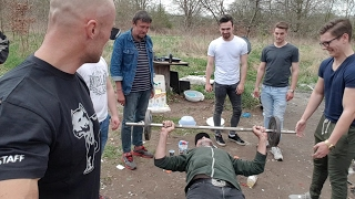 Psychopat vs bezdomovci BENCH PRESS challenge