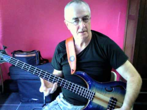 "George McArdle  from  ""THE  LITTLE RIVER BAND"" -  ""Happy Anniversary"" Bass  Lesson."