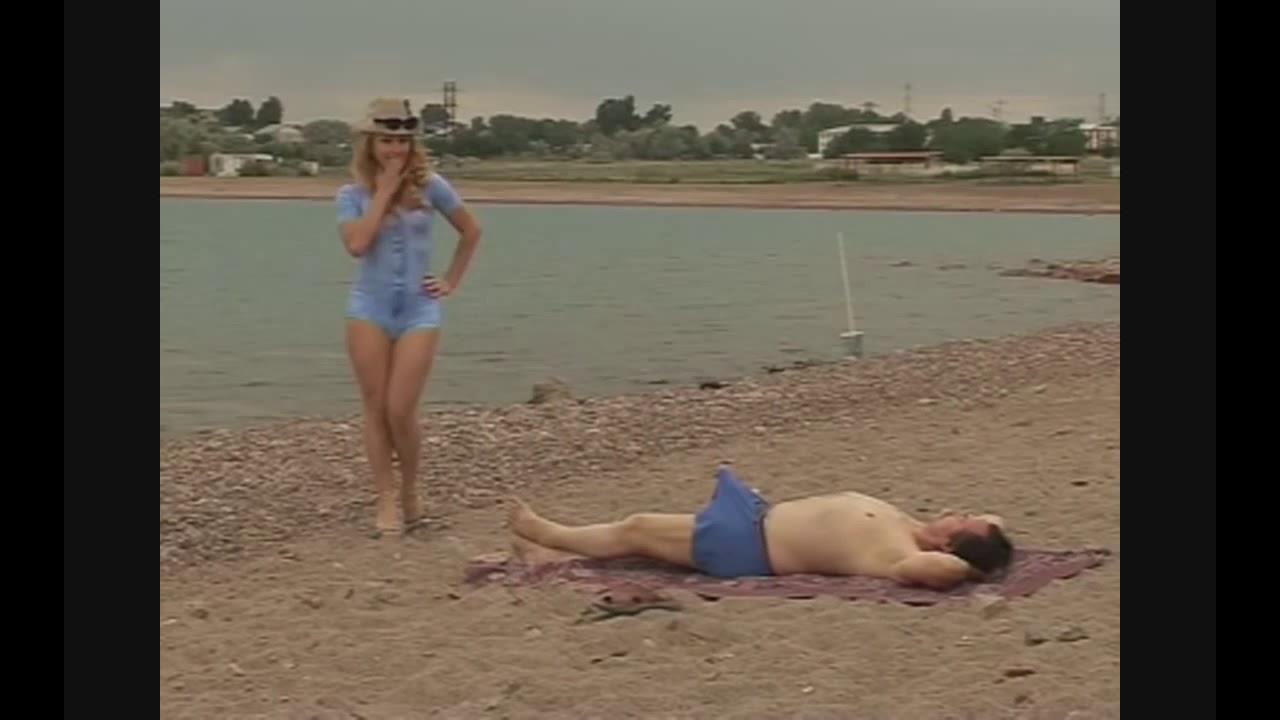 Израильские девушки на пляже порно специальным маслом