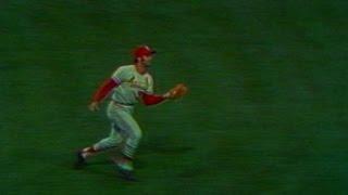 1971 ASG: Joe Torre makes catch across infield