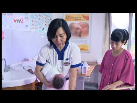 BV Việt Pháp HN - Tắm cho trẻ sơ sinh. Lớp học tiền sản.