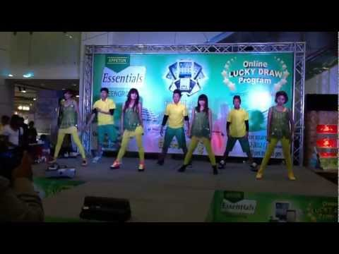 "Uranium Dance Performance at ""Appeton Essentials Teengrow Online Lucky Draw"" Introduction"