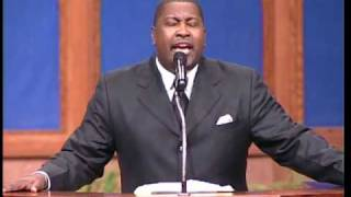 "Pastor E. Dewey Smith Singing ""Thank You"""