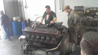 rozruch silnika z czołgu t34