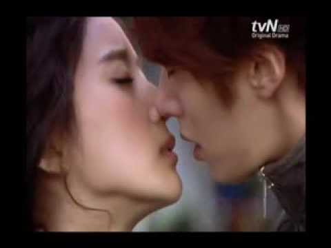 MEGASABI's TOP 5 Best Korean Drama Kissing Scene - YouTube