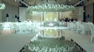 Красивое оформление банкетного зала на свадьбу орхидеями