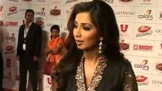 Global Indian Film and TV Honours Awards 2012   Shreya Singing Lag Ja Gaale