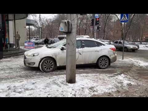 На Астраханской с рельсов сошел трамвай
