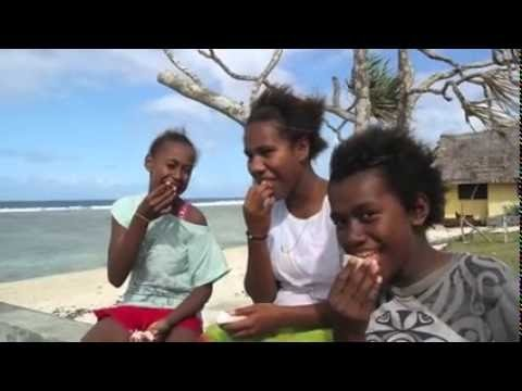 VANULIFE - Vanuatu Tourism Portal - Girls learning to surf in Vanuatu