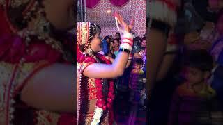 Mehndi h rachne wali Best Bridal Dance