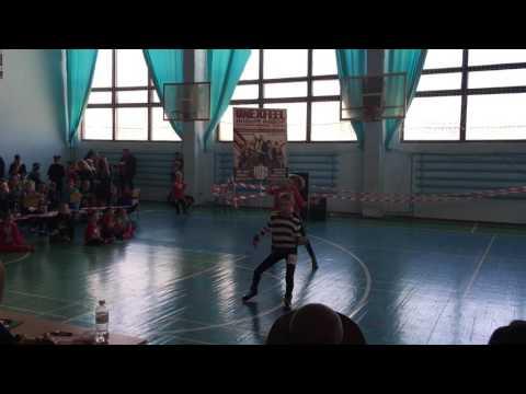 Смотреть клип Яворская младшая джаз-фанк 1 лига/Битва стилей 2016 онлайн бесплатно в качестве