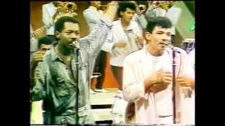 Fausto Rey - Se Va la Vida - Baladista Dominicano (Interpreta Merengue) Ciudad Corazon