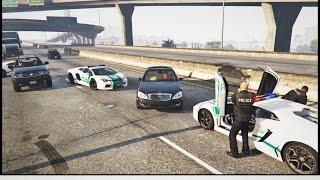 Dubai police Lamborghini Aventador vs Mercedes high speed chase