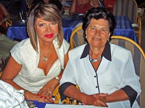 Neda Ukraden peva mami za 90 ti rođendan