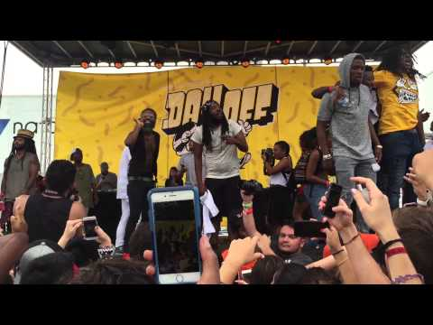 White Iverson performance by Post Malone @ Fools Gold Day Off (Miami)