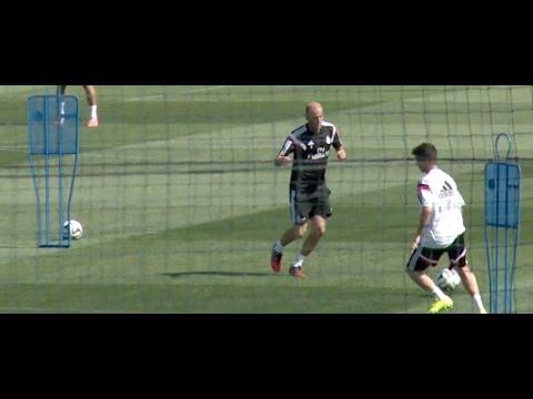 Zinedine Zidane ya enseña a tocar a sus pupilos del Castilla || Real Madrid 2014