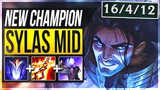 SYLAS IS ACTUALLY SO STUPID!! STEAL ANY ULTIMATE!! - Sylas Mid Gameplay - League of Legends