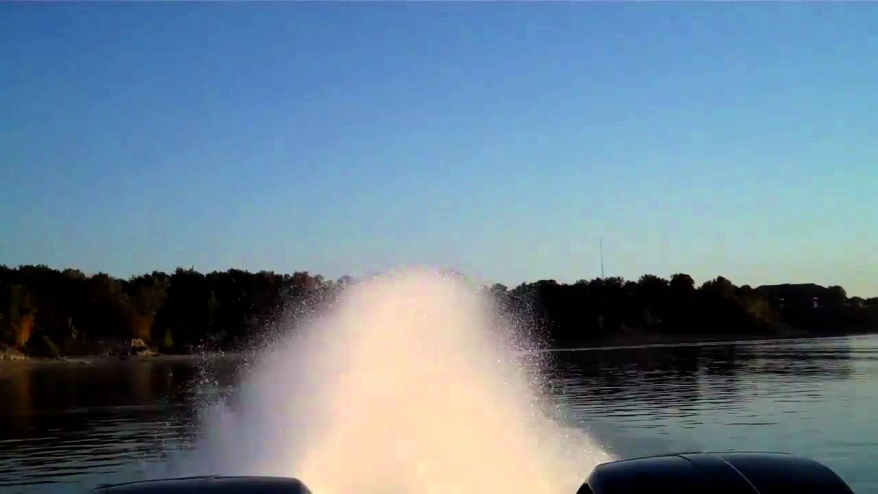 VIDEO: World's fastest pontoon boat sets new speed record - Motor