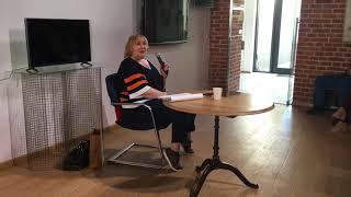 В чем сложность работы сценариста? Вера Сторожева отвечает на вопрос Марии Голованиевской
