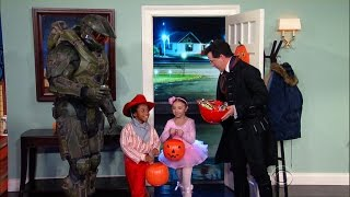Stephen Gets Some Trick-Or-Treaters